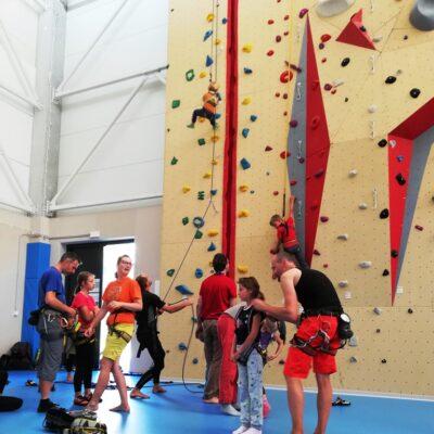 1. trénink TT lezecká stěna NM